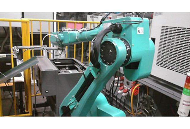 富士康要部署更多机器人 已减少了数千员工